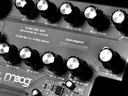 moog-sub-phatty-synth