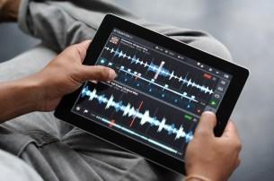 TRAKTOR_DJ_iPad_cue-points_L