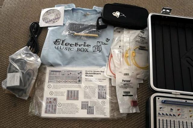 buchla-electric-music-box-contents