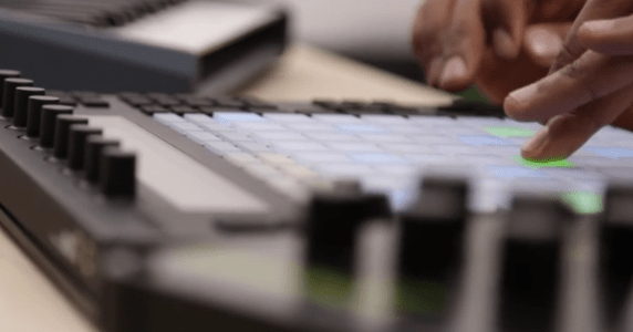 ableton-push-hardware-synthesizer