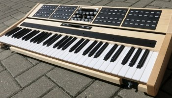 Setting Up a Multi-Keyboard Synthesizer Rig | Synthtopia