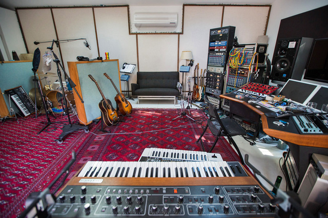 awesome-home-studios