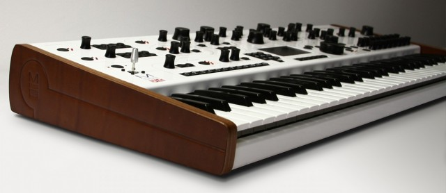 the modal electronics 002 synthesizer at namm 2015 synthtopia. Black Bedroom Furniture Sets. Home Design Ideas