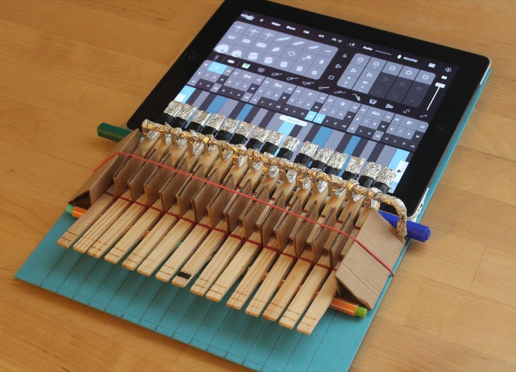 Diy Ipad Clothespin Piano Jpg Resize 1024 2c737