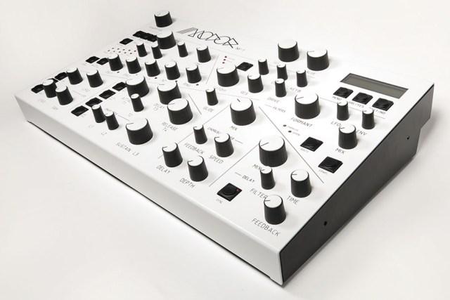 modor-synthesizer-angle