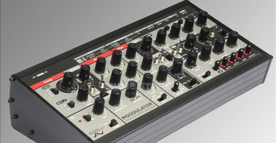 anyware instruments moodulator desktop analog synthesizer