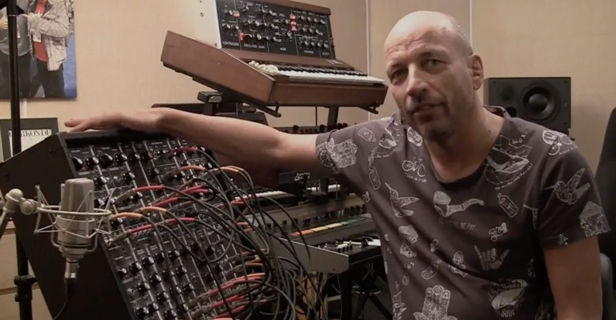 Rob Papen Explains Subtractive Synthesis On A 5U Modular Synthesizer