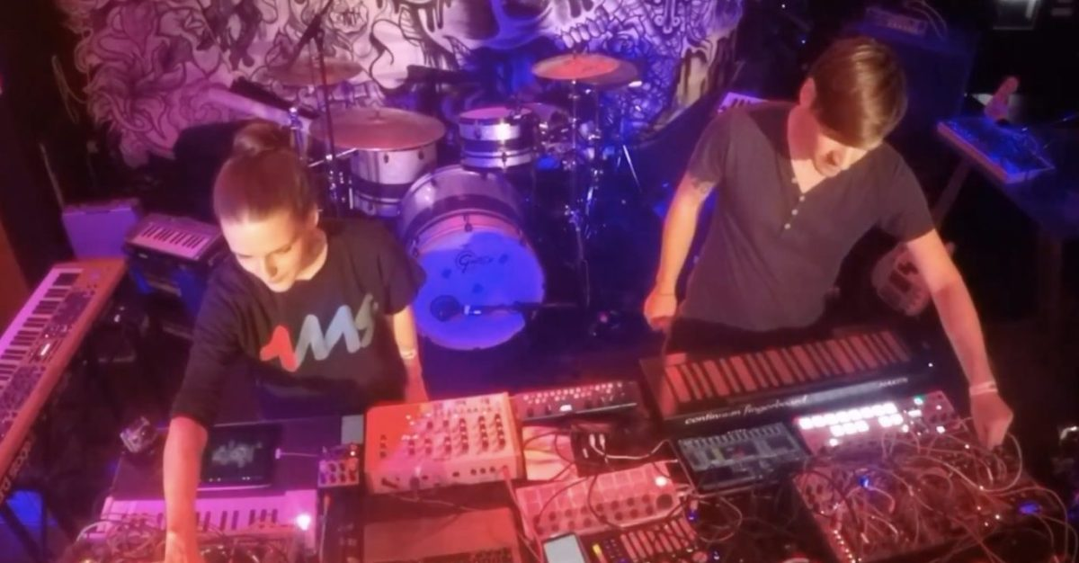 live modular synth set with panic girl jericho synthtopia. Black Bedroom Furniture Sets. Home Design Ideas