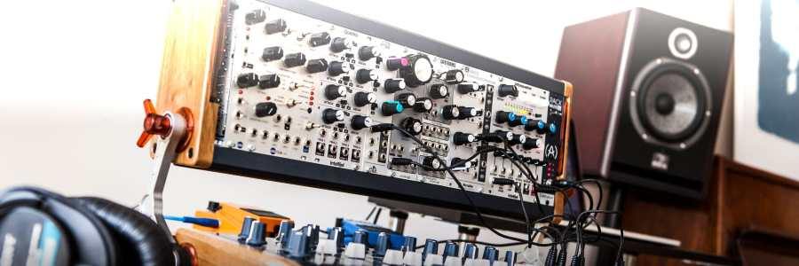 modular synthesizers synthtopia. Black Bedroom Furniture Sets. Home Design Ideas