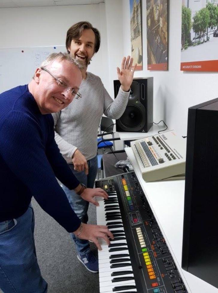 behringer-8-synthesizer.jpg?w=728&ssl=1