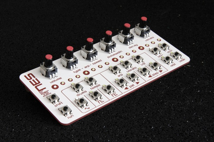 Twisted Electrons Intros hapiNes Chiptune Synthesizer