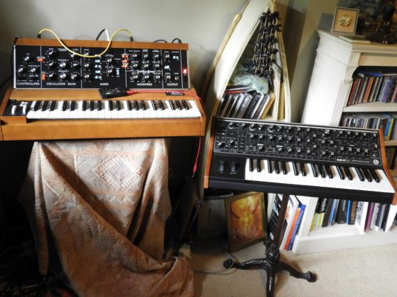 Dave Bessell db Moog Corner