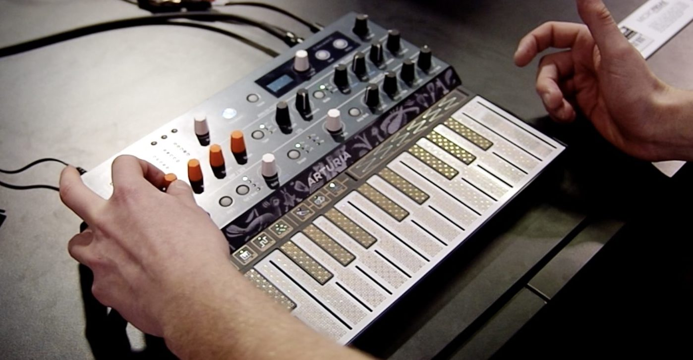 Arturia Microfreak Synthesizer Hands-On Demo – Synthtopia