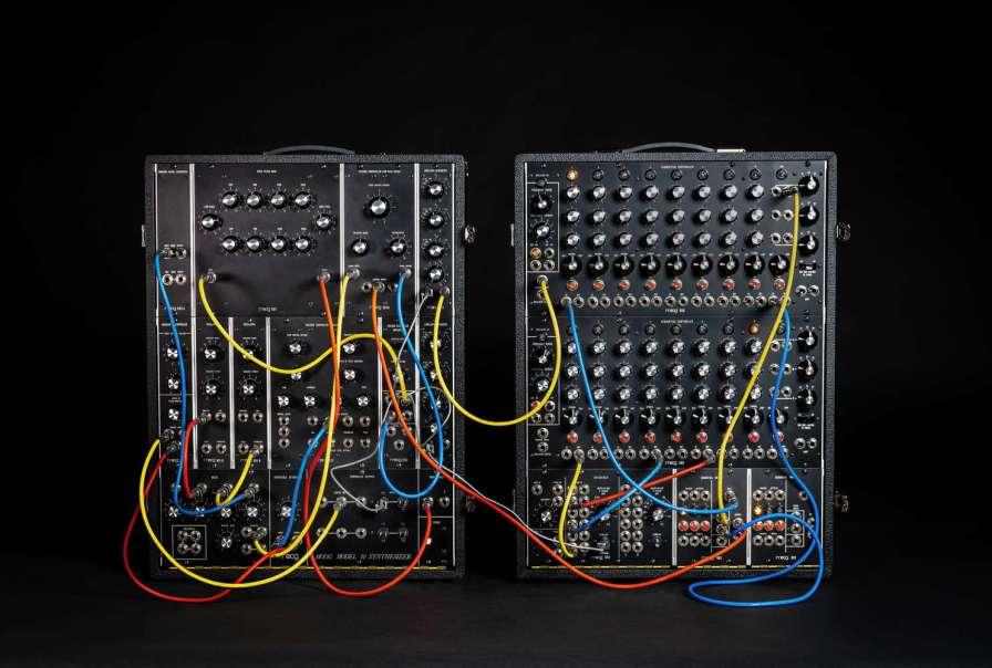 Moog_Model_10_Black-with optional comp B