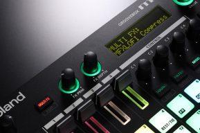 Roland-MC101-knobs-screen-closeup