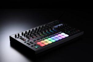 Roland-MC707-darkbackground