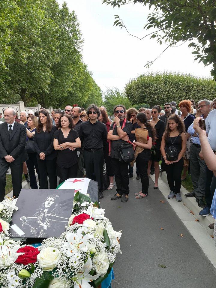 جثمان الراحلة فدوى سليمان يوارى الثرى في باريس بعيدا عن تراب الوطن