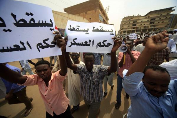 افتتاحية الموقع: نسمات الحرية السودانية في مواجهة رياح الهبوب