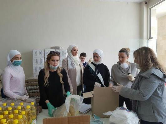 سيدات صناعة حلب مع كنانة علوش مراسلة سما.jpg