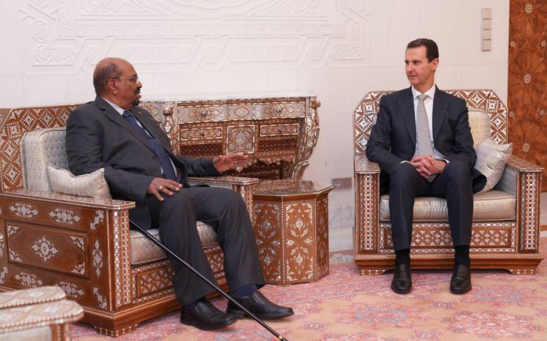 Le président soudanais al-Béchir rencontre le président Assad à Damas (16 décembre 2018, image SANA).
