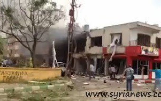 Reyhanli old woman cries at the site of explosions