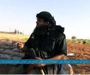 Aussie takfiri Mostafa Mahamed, posing with his favorite weapon, in Syria.