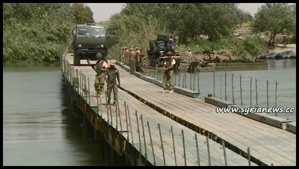 image-Russian builds a military bridge on Euphrates in Deir Ezzor
