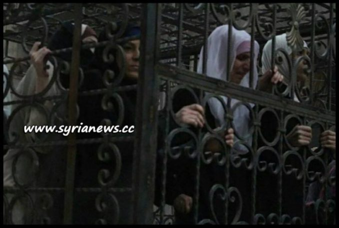 Saudi-Sponsored Jaysh al-Islam Drove Women and Children in Cages in Pick-up Vehicles on Douma Streets