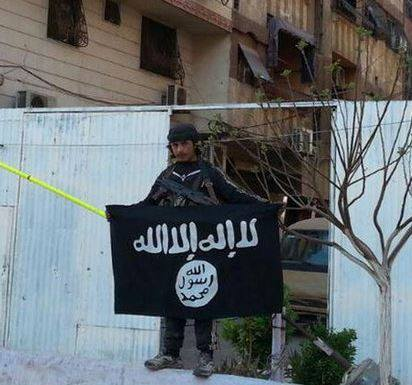 ISIS in Yarmouk ripped down Palestinian flags and put up their own.