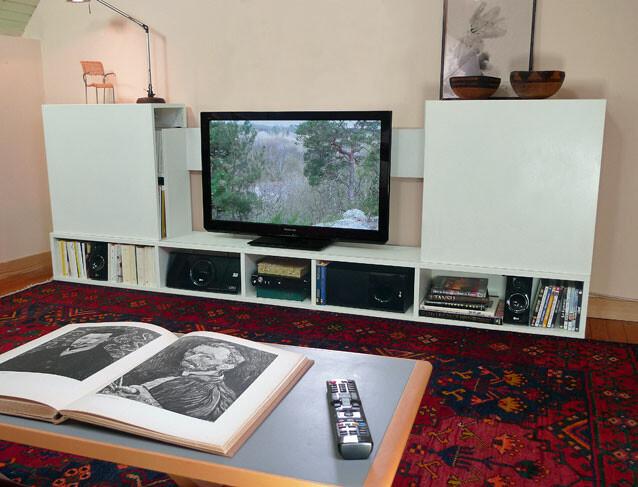 un meuble tv a facades coulissantes