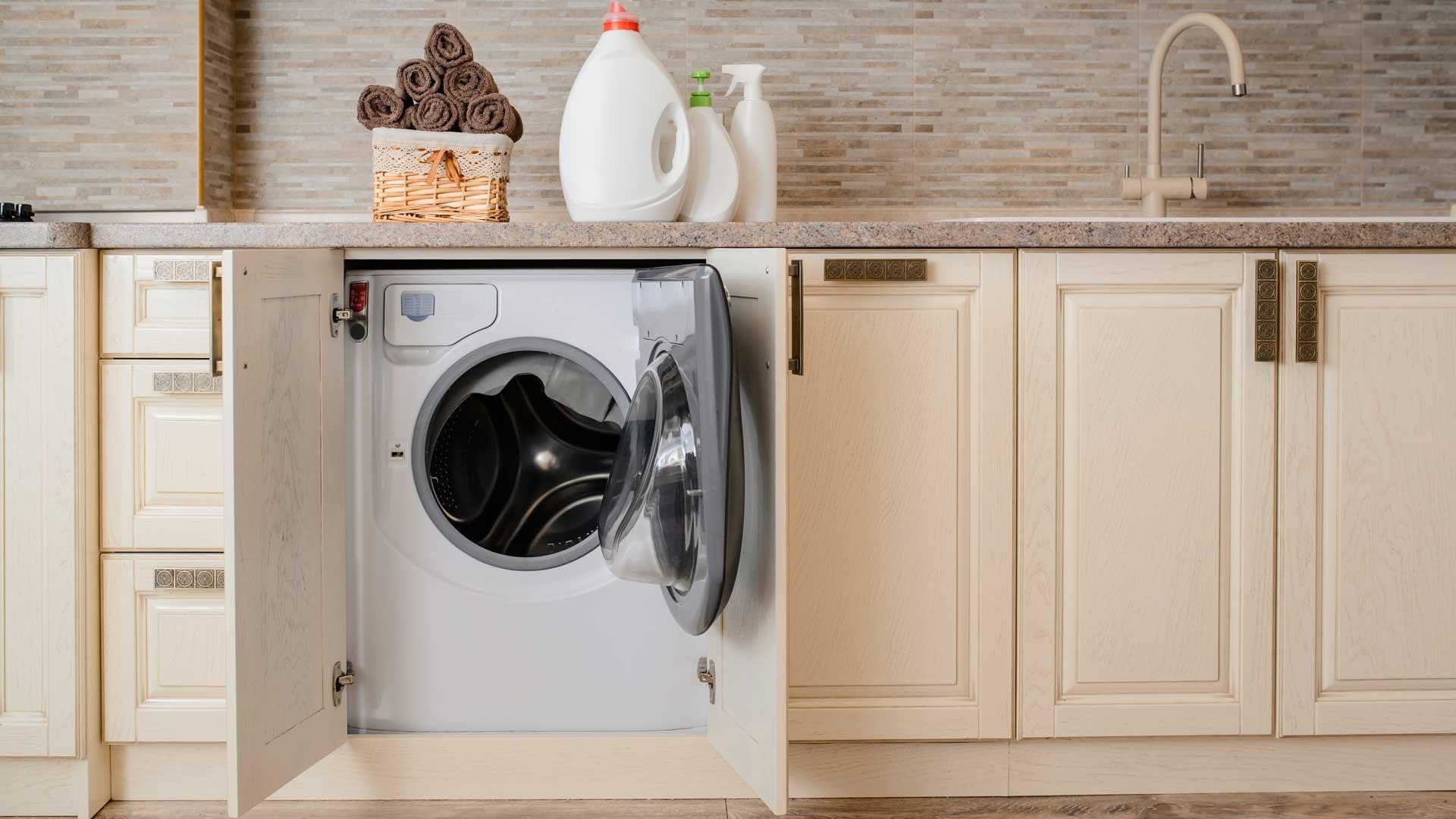 Installer Un Lave Linge Encastre Sous Un Plan De Travail De Cuisine