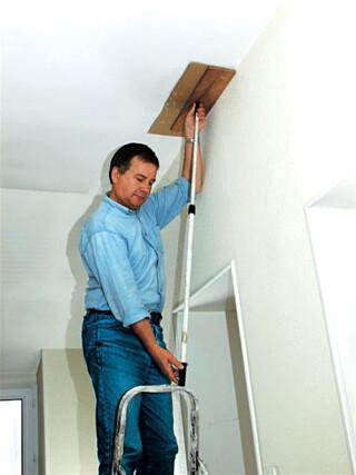 boucher un trou au plafond avec du platre