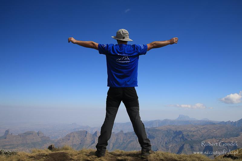 Podziwiam piękne widoki w Górach Semien
