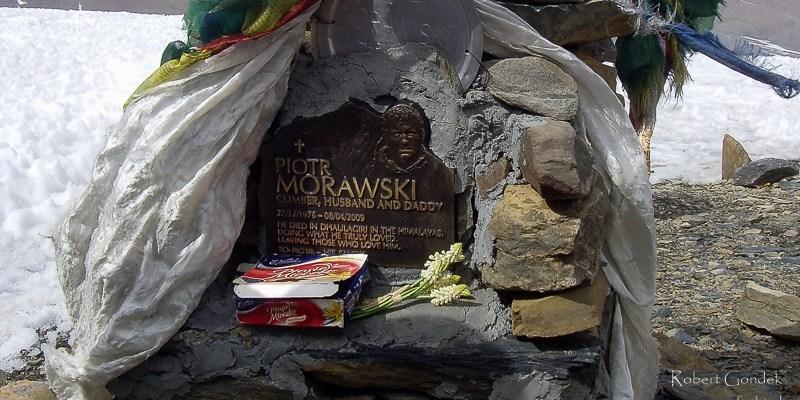 Nepal - tablica upamiętniająca Piotrka Morawskiego
