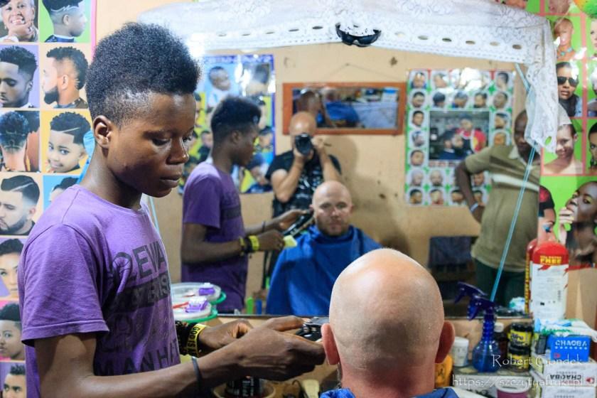 U fryzjera w Ghanie