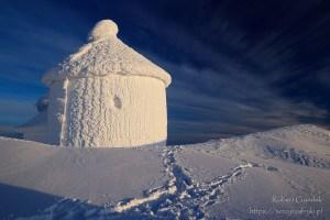 O wschodzie słońca na Śnieżce