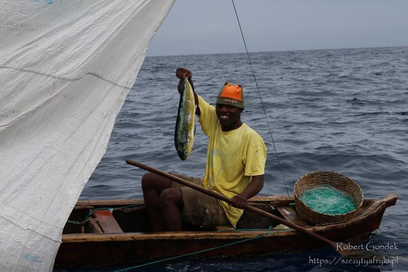 Rybak z Wysp Świętego Tomasza i Książęcej - czy są wieloryby na São Tomé?