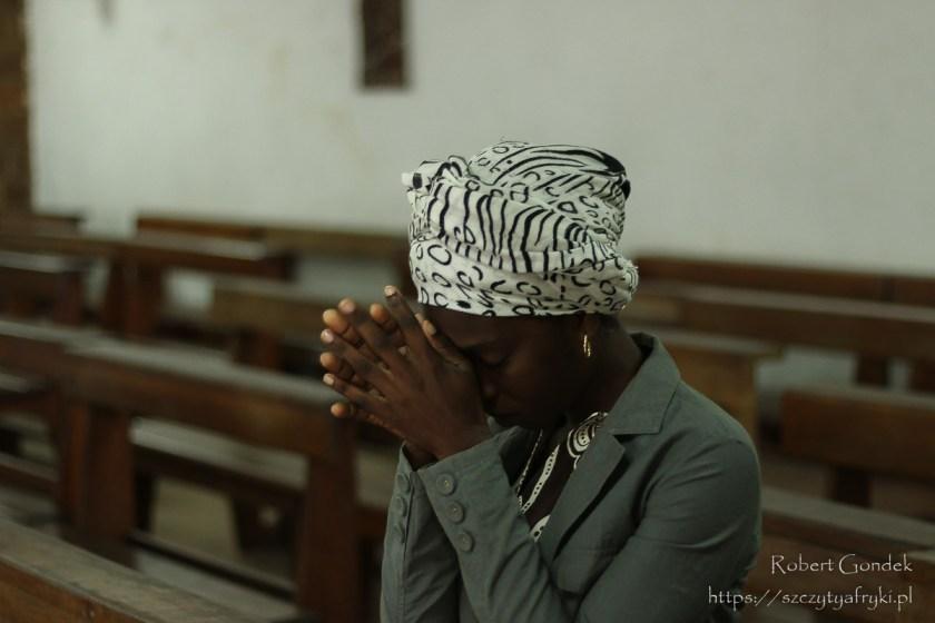 W katedrze Świętego Michała w Libreville