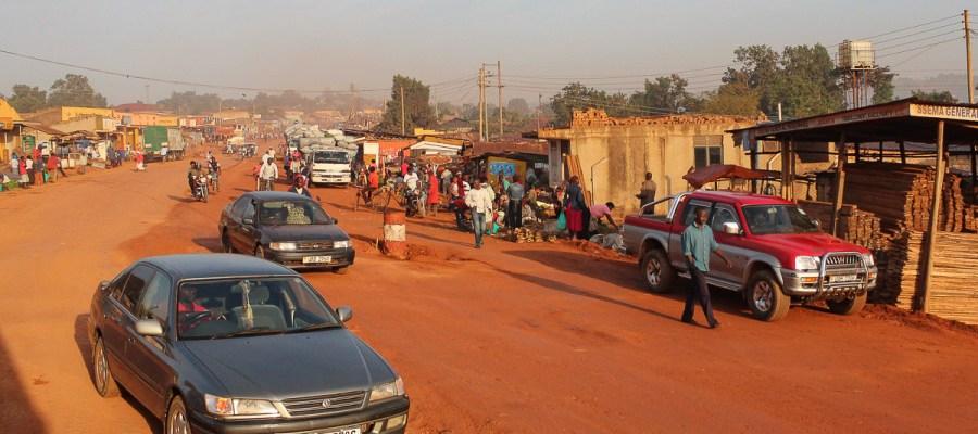 Całonocny przejazd autobusem z Kenii do Ugandy