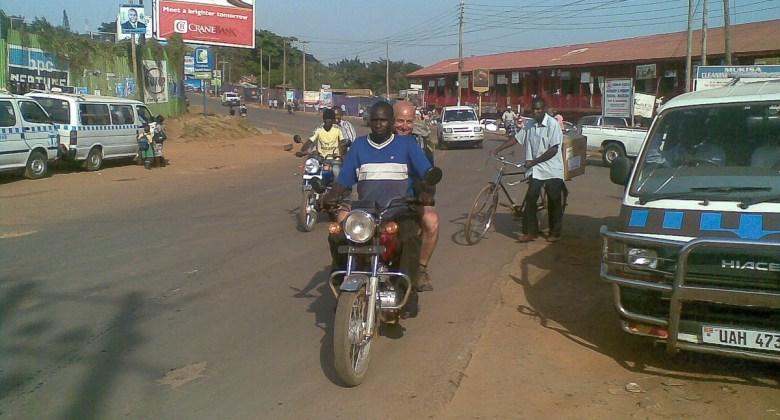 Przejażdżka boda boda po Kampali