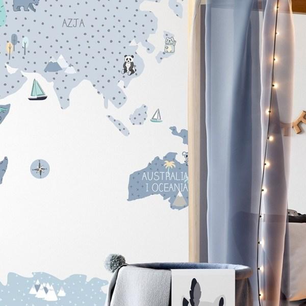 Niebieska edukacyjna mapa edukacyjna na ścianę - naklejka firmy Pastelowe Love