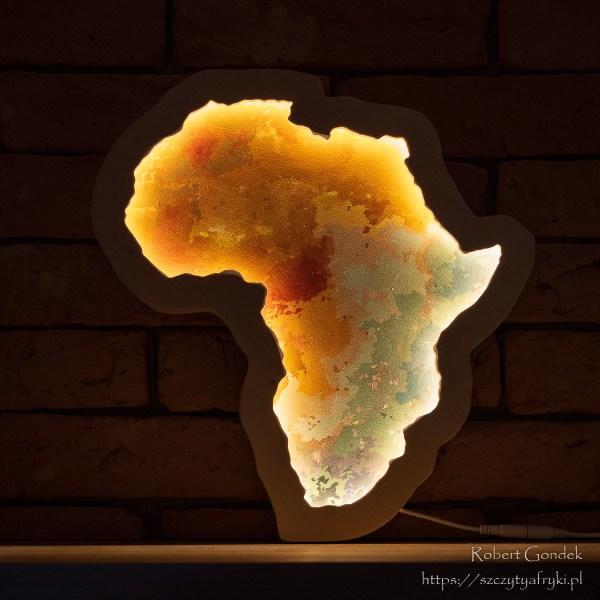 Drewniana lampka Afryka