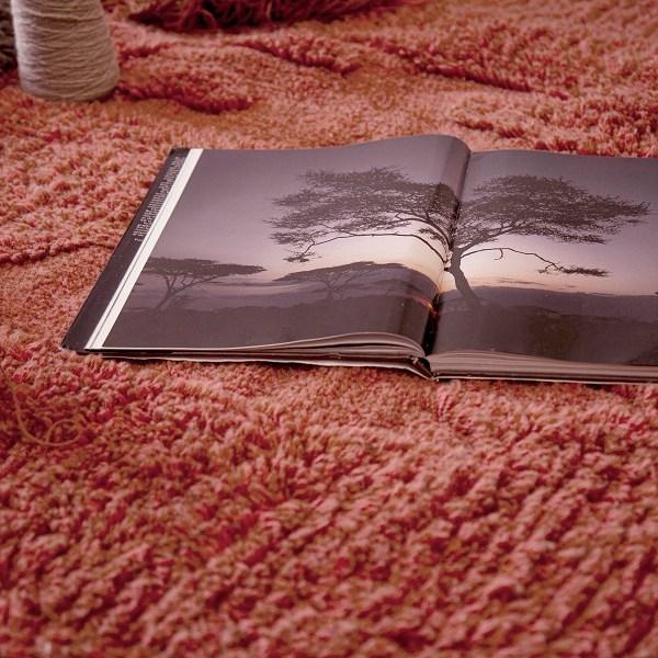 Narangu - prostokątny dywan do wnętrza w afrykańskim stylu - nowoczesny wygląd