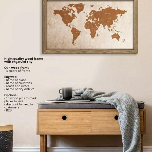 Drewniana mapa świata w dębowej ramie - dekoracja na ścianę - wizualizacja w domu