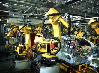 9812_Welding-robot-original-shutterstock