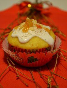 Pomarańczowe muffinki z cynamonową nutą