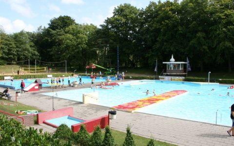 Zwembadspektakel