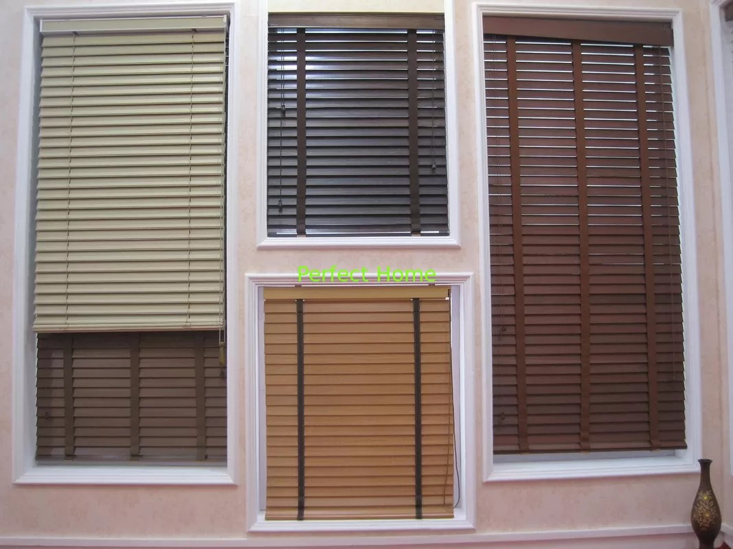 35mm 100 Basswood Venetian Blinds For Windows With Steel Headrail And Wooden Bottomrail