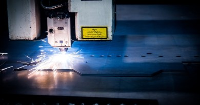 Laser Cutting Machine Plasma  - jarmoluk / Pixabay