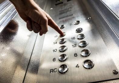 Elevator Button Finger Press Floor  - jolimaison / Pixabay